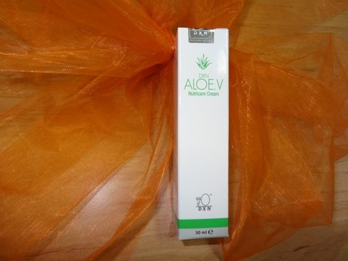 Aloe vera night cream rejuvenates your skin while you sleep