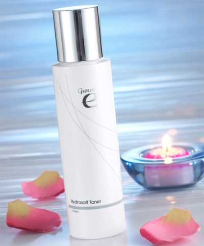 Ganoderma cleansing milk tones rejuvenates and rebalances the skin.